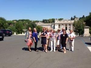 Un gruppo di Partners dei Delegati con Laura Dryjanska, del Rotary Club Roma